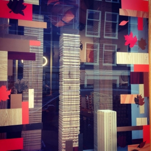 wonderwood-visitus-storewindows-fall2014-18