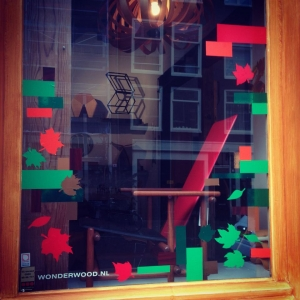 wonderwood-visitus-storewindows-fall2014-a