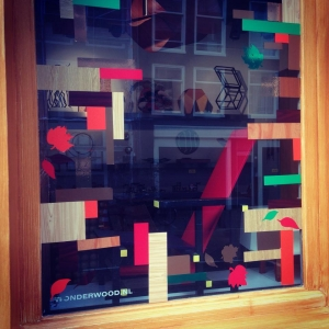 wonderwood-visitus-storewindows-fall2014-c